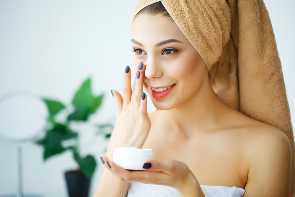 Îngrijirea pielii în timpul verii: 7 reguli de aur cu STROP